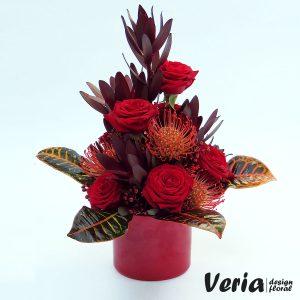 Aranjament floral Rosu Rafinat