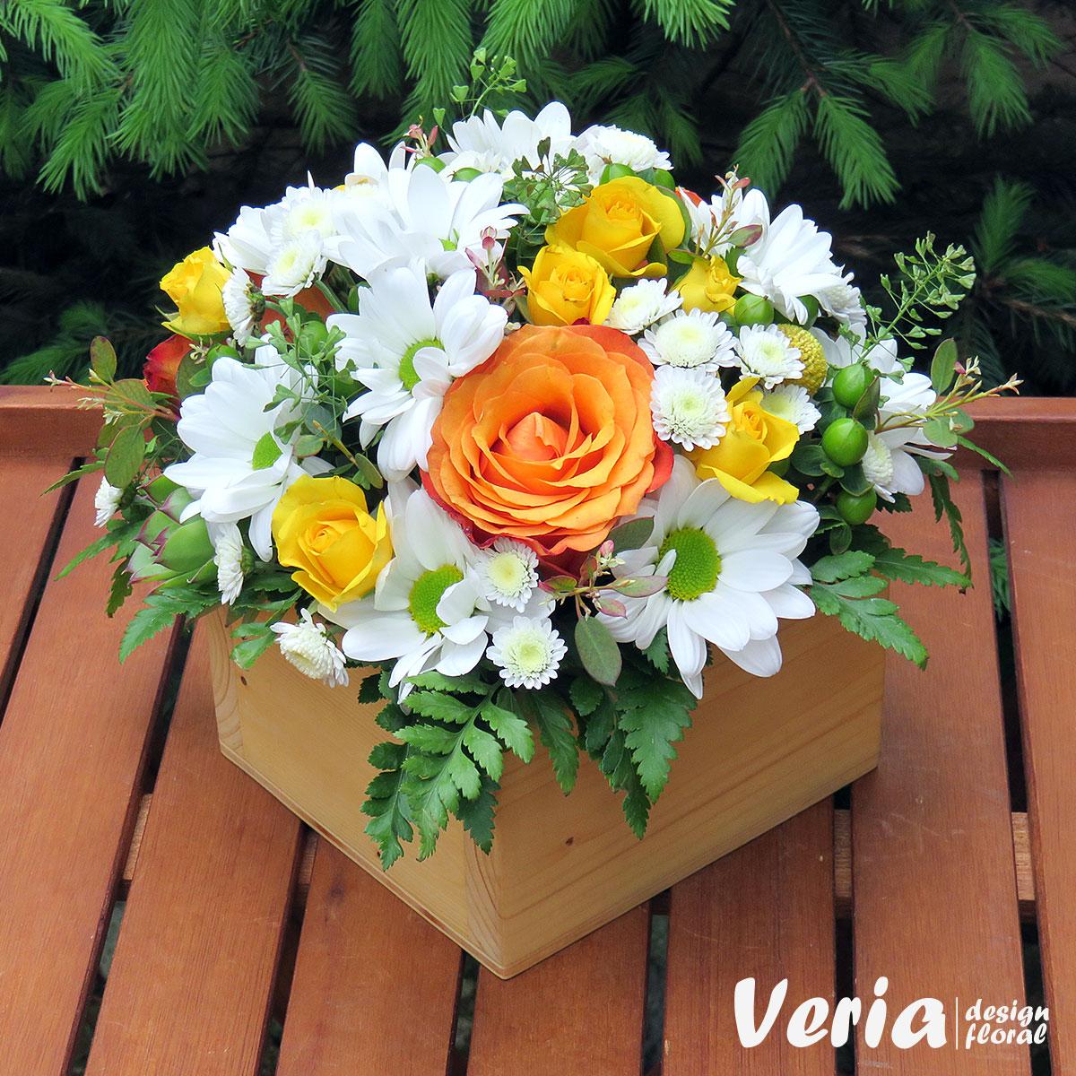 Aranjament Gradina Inflorita Din Trandafiri Si Miniroze La Floraria