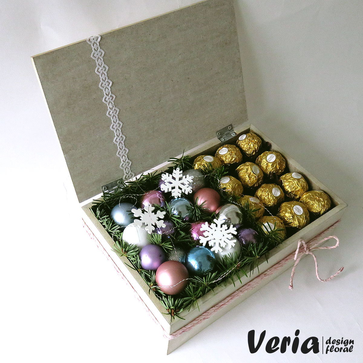 Cutie - cadou Globulete si Ciocolata